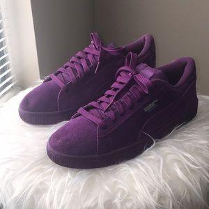 Purple PUMAS low top Suede (NEW)