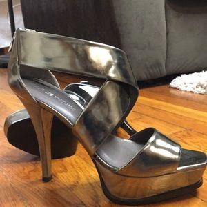 Pour Le Victore Tifara Silver Strappy heel