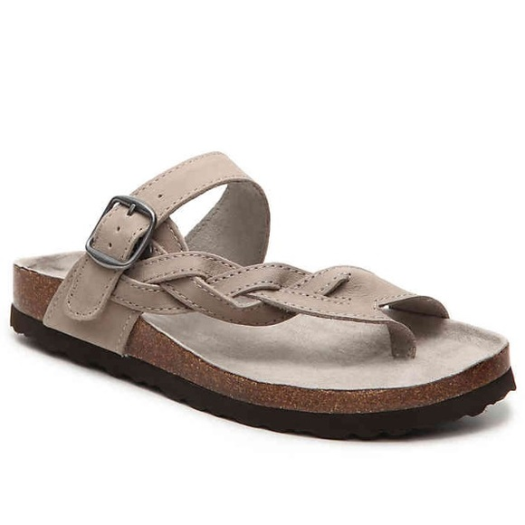 a19a36ab61b4 White Mountain Crawford Leather Sandals. M 5a2c36b25c12f8b639019a28