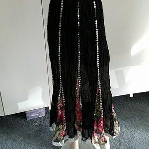 Dresses & Skirts - Black skirt S/M