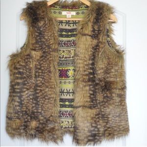 EUC fur vest