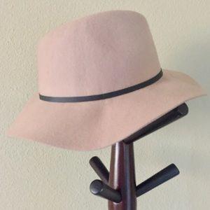 ➕Camel Felt Floppy Hat w/ Faux Leather Strap➕