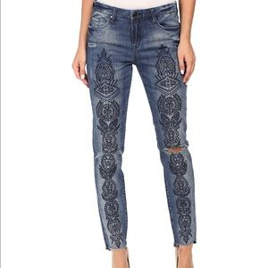 Blank NYC embroidered skinny Classique denim 30