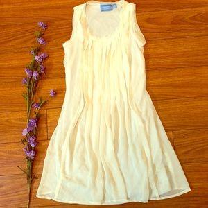 SIMPLY VERA WANG ruffle tunic mod 60's style dress
