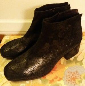 New VAGABOND Daisy Textured Nobuck ANKLE Boots