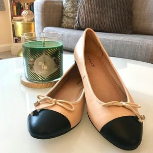 EUC Cream/Black Topshop Leather Flats