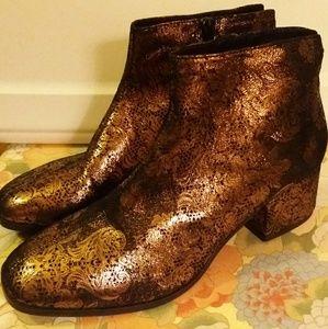 New VAGABOND Copper / Black Ankle Boots
