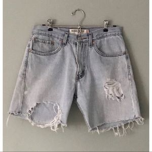 VINTAGE Levi's 505's Lightwash Bermuda Cutoffs