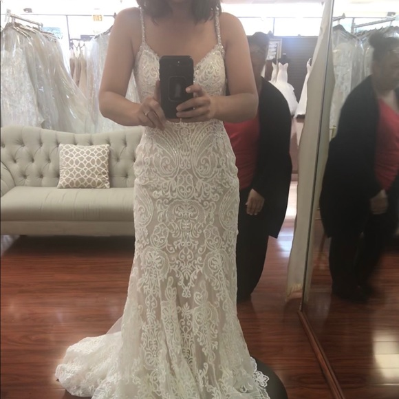 Allure Bridals 9452 brand new wedding dress
