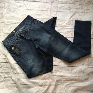 NWT rock & republic rhinestone pocket skinny jeans