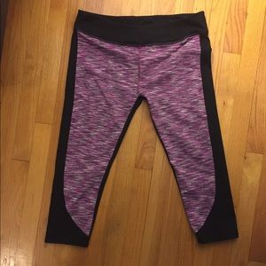 Fabletics crop tights