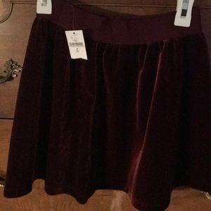 NWT gap burgundy velvet skirt