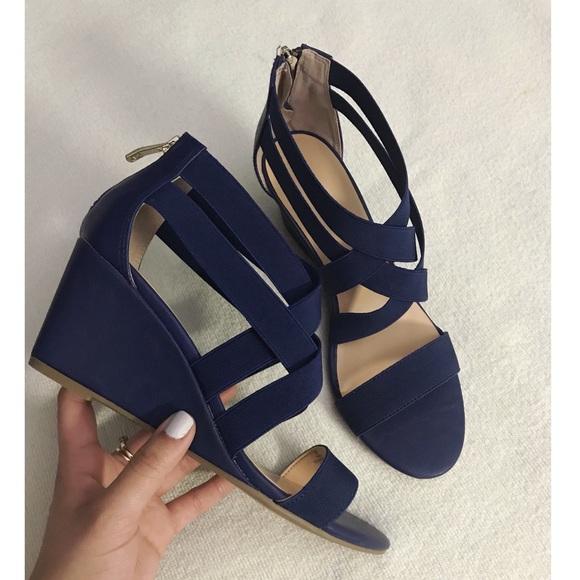 Liz Claiborne Shoes  d12a53b11c