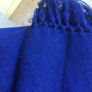 Accessories - Soft and thick scarf