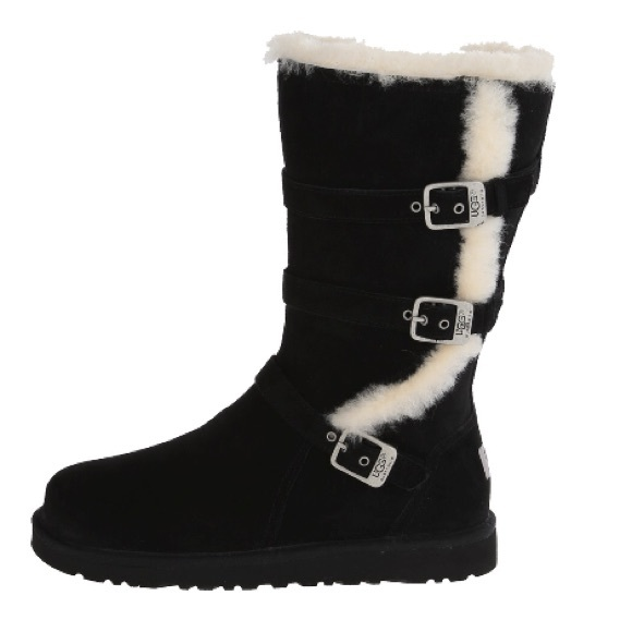 10586a740bb Ugg Maddi boots. Kids size 6 ladies 8