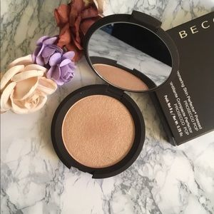 Becca Prosecco Pop Pressed Highlighter ✨