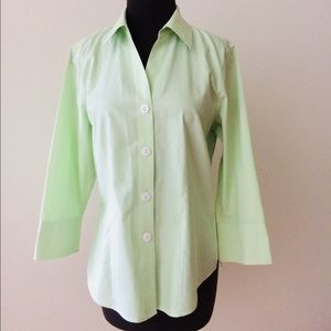 ❗️Foxcroft Non-Iron Fitted Button Down MSRP $68!