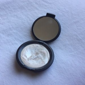 BECCA Cream Highlighter