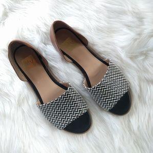 {DV} brown and black sandal slides