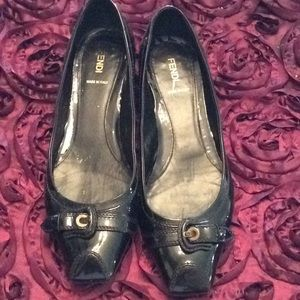 AUTH FENDI BLACK SHOES W/small HEEL