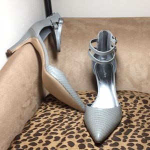 "New, sexy dove gray 3.5"" Calvin Klein pumps s 10"