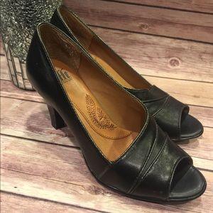 Söfft Black Leather Open Toe Shoes