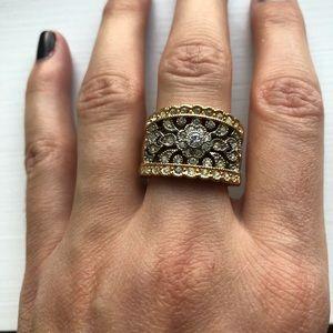 Vintage two-tone ornate chunky diamond ring