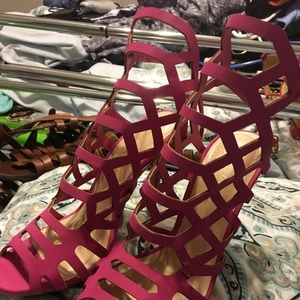 NWOT Pink strappy heels