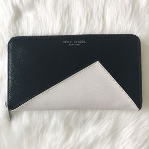 [Henri Bendel] Zip Around Continental Wallet