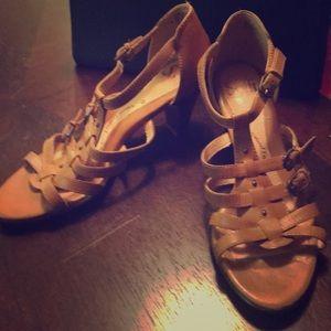 Sofft Sandler heels tan size 37.5 / 7 used 2 times