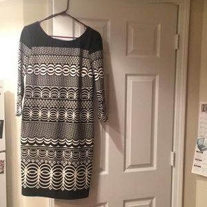 Taylor Shift Dress, B&W Print size 10