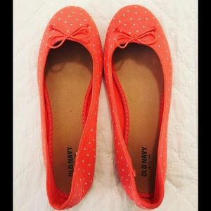 Old Navy // size 8 // pinkish-coral flats