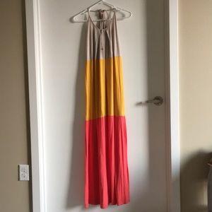 Dresses & Skirts - Cute Color-block Maxi Dress Size S