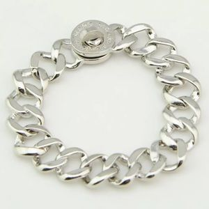 🎁🎁 NWT Marc Jacobs Silver Lock Bracelet
