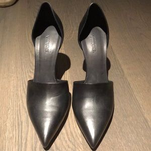 Vince black pump. USA 8.5 and EUR 39.5