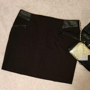 *Kenar Mini Black Skirt*