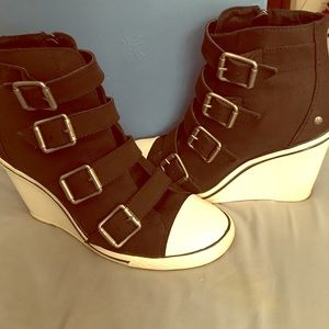 Vera Wang wedge sneakers