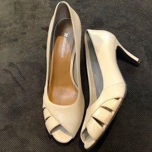 NWOT Naturalizer Heels