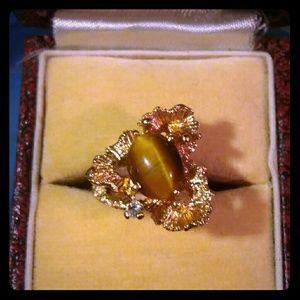 🎀SALE🎀 Vintage 18K HGE Ring w Tiger Eye +