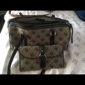 Dooney & bourke purse wallet