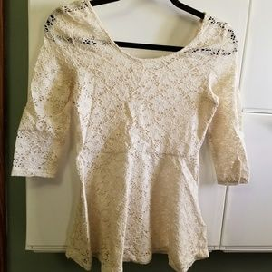 Decree 3/4 sleeve cream lace overlay peplum top