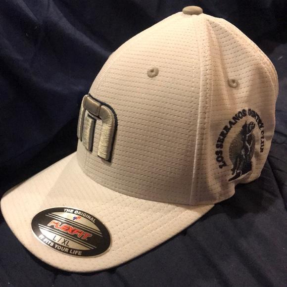 810c6594e L/XL Travis Mathew -Bahamas Hat