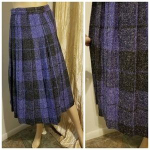 Authentic 1960s pleated pattial wool skirt