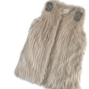 zara knit • faux fur vest