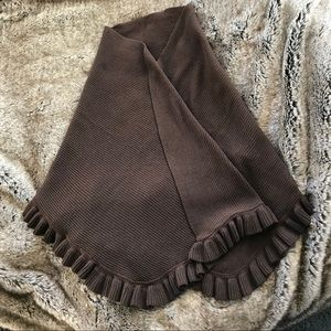 Nordstrom Brown ribbed wool shawl with ruffle. ❤️