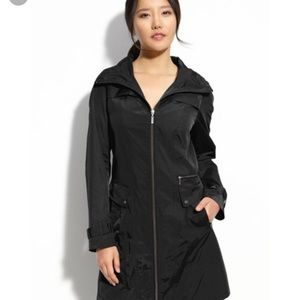 Cole Hann packable Black trench coat with hood