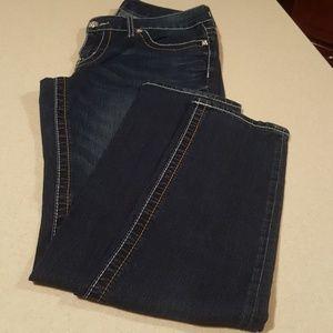 Seven7 jeans.