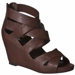 New! Mossimo Brown strapped sandals