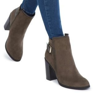 Shoe Dazzle Octavia Booties