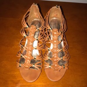 Madden Girl Brown size 11 Wedges